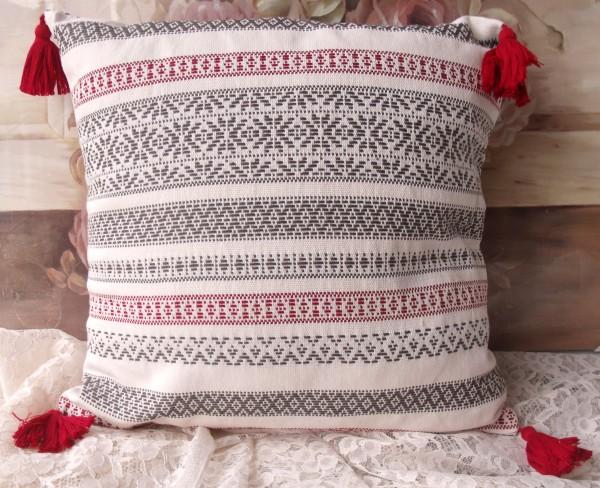 Kissenbezug Winter Time 45x45cm Troddeln grau rot creme Landhaus Baumwolle