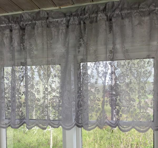 scheiben bistro lucia grau spitzen gardine rosen 55x250 cm kurzgardinen gardinen lillabelle. Black Bedroom Furniture Sets. Home Design Ideas