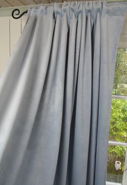 Vorhang GABRIELLA Samt Hellblau 140x240 cm 2 Stück
