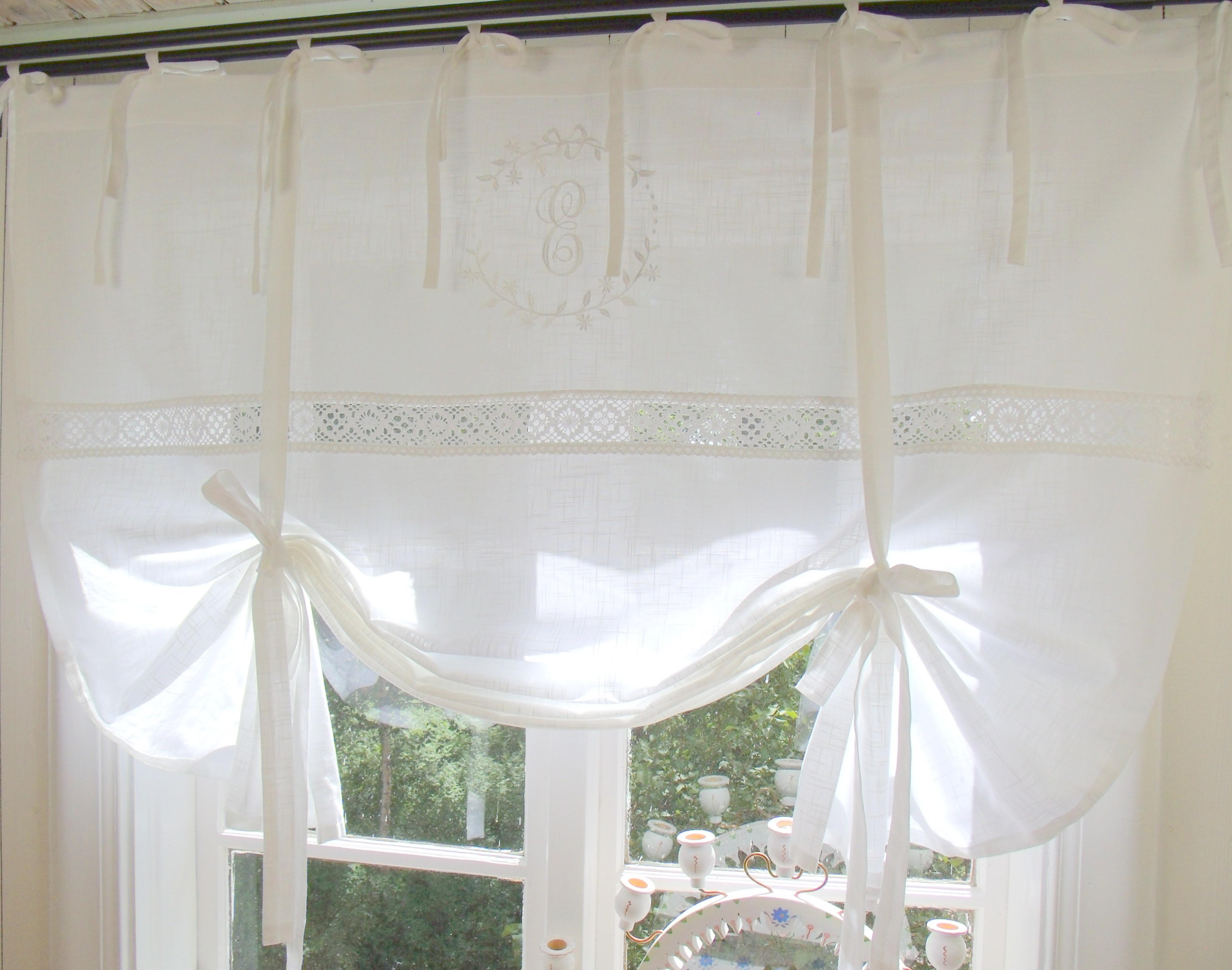 raff gardine emilia wei bestickt 140x120 cm raffgardinen rollos gardinen lillabelle. Black Bedroom Furniture Sets. Home Design Ideas