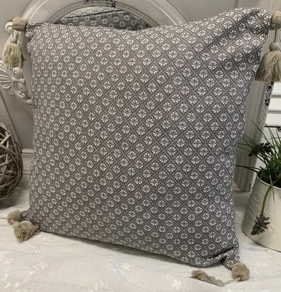 Kissen Bezug Hülle TILLA Grau / Weiß / Sand48 x 48 100% Baumwolle Quasten Landhaus